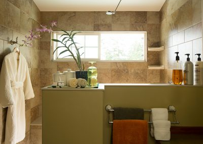 avocado-suite-bathroom